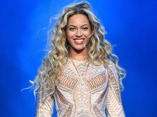 Beyonce Knowles Pukau Penonton dengan Cover Lagu Whitney Houston 'I Will Always Love You'