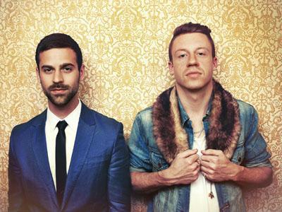 Wah, Macklemore & Ryan Lewis Gelar Konser Mendadak di Dalam Sebuah Bus Kota!