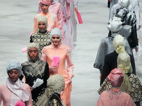 Fashion Busana Muslim yang Cocok bagi Pemilik Tubuh Kurus
