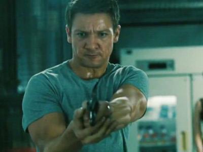 Jeremy Renner Tak Mau Dianggap Gantikan Matt Damon