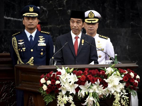 Jadi Polemik, Podium Merah Putih yang Diinjak Presiden Jokowi Akan Diganti