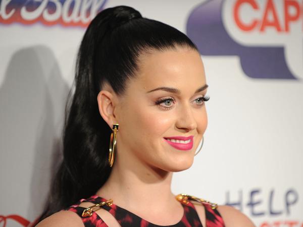 Sering Gagal Dalam Urusan Cinta, Katy Perry Jalani Terapi