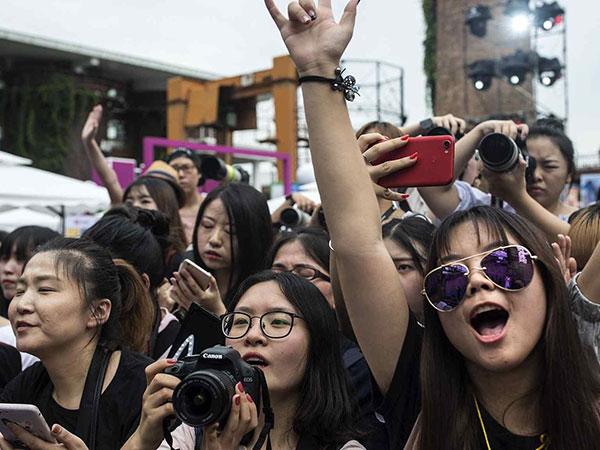 Cina Larang Pria 'Banci' dan Terapkan Sejumlah Aturan Baru, Berdampak ke K-Pop?