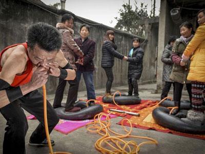 Wow, Pria Asal China Ini Miliki Paru-Paru yang Kuat