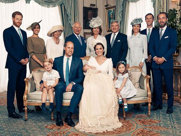 Kensington Palace Rilis Foto Resmi Pembaptisan Pangeran Louis