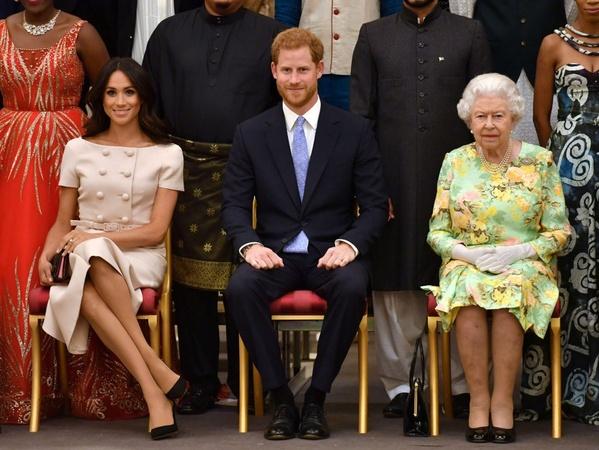 Beda Cara Pangeran Harry Beri Selamat Ulang Tahun pada Ratu Elizabeth