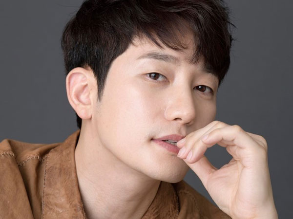 Park Si Hoo Dikabarkan Jadi Pemain Utama Drama Sageuk Baru