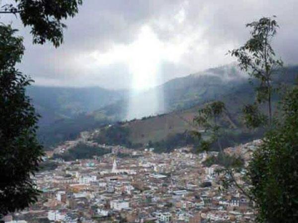 Video Penampakan Yesus Kristus Pasca Longsor Kolombia, Gegerkan Netizen!