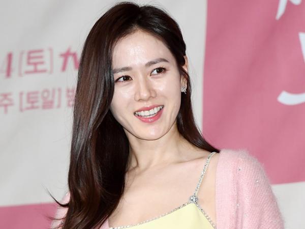 Dikabarkan Tumbang Saat Syuting Drama, Agensi Update Kondisi Kesehatan Son Ye Jin