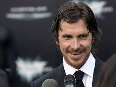 Christian Bale Ungkap Kesedihannya atas Tragedi Penembakan di Colorado
