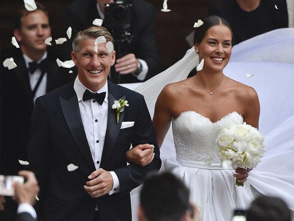 Selamat, Kapten Timnas Jerman Bastian Schweinsteiger Resmi Nikahi Petenis Cantik Ana Ivanovic