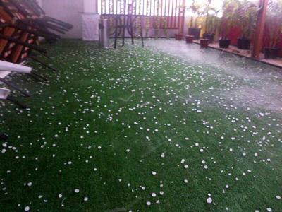 Wah, Ada Hujan Es di Jakarta!