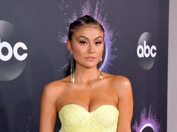 Penampilan Seksi Agnez Mo di American Music Awards 2019