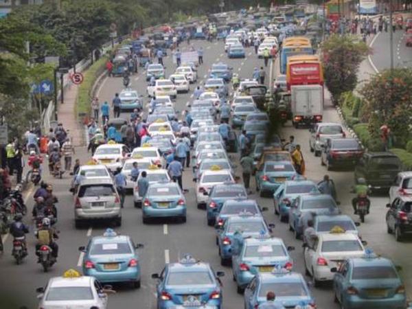 Bukti Berikan Pelayanan Terbaik, Blue Bird Gratiskan Naik Taksi Rabu Besok