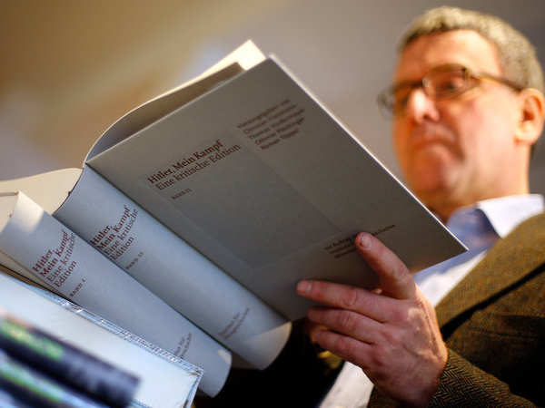 70 Tahun Dilarang, Buku Autobiografi Hitler Kembali Beredar di Jerman