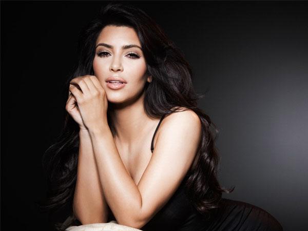 Dirumorkan Hamil Palsu, Kim Kardashian 'Ngamuk' di Sosial Media!