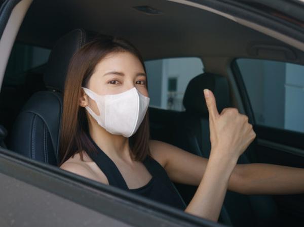 Amankah Tidak Gunakan Masker Saat Mengendarai Mobil Pribadi? Ini Kata Ahli