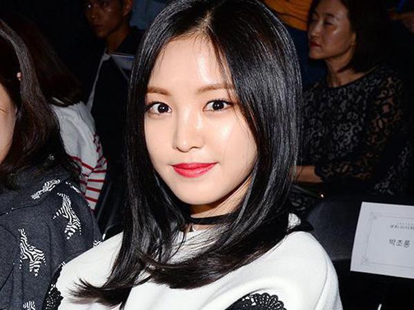 Duh, Naeun A Pink Alami Insiden Jatuh di Tangga Saat Hadiri Seoul Fashion Week