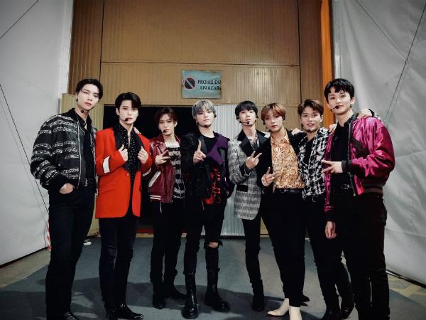 Tampil di ASEAN FANTASIA, Jam Tangan Taeyong Hingga Warna Rambut Doyoung NCT Jadi Sorotan Penggemar