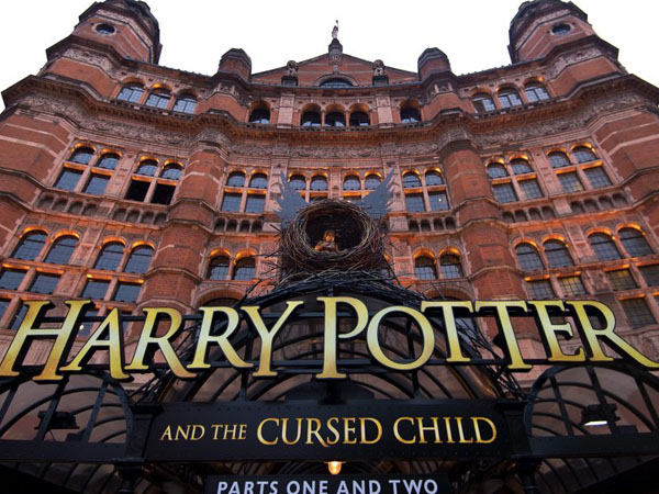 'Harry Potter and the Cursed Child' Akan Difilmkan?