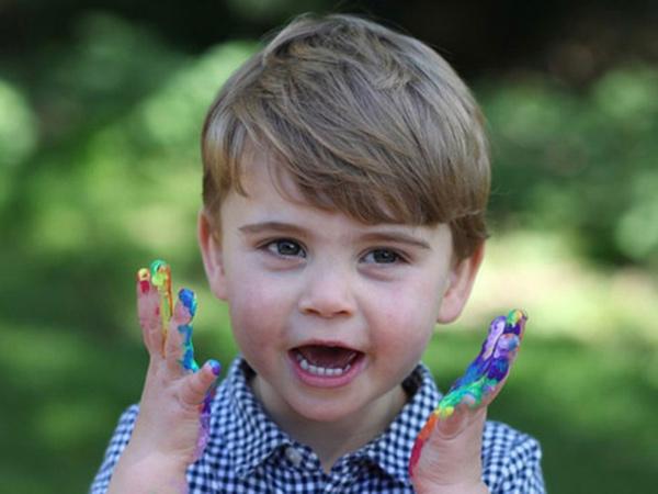 Ultah ke-2, Pangeran William dan Kate Middleton Bagikan Foto Terbaru Pangeran Louis