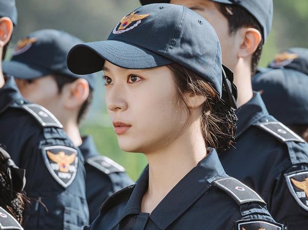 Krystal Ungkap Karakternya di Drama 'Police University'