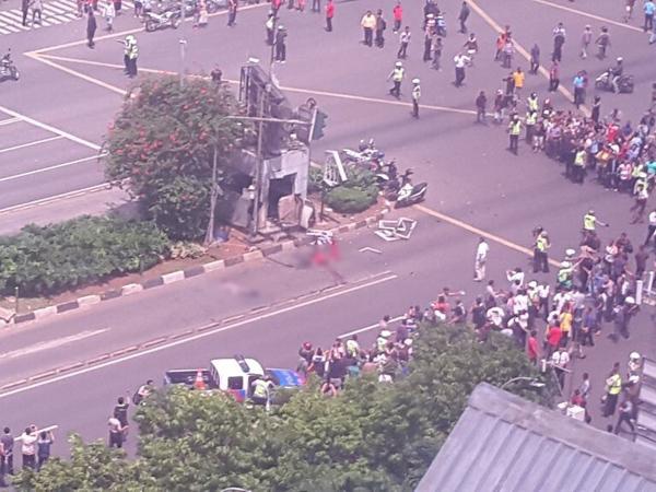 Ledakan dan Tembakan Sarinah-Thamrin, Korban Bergeletakan di Jalanan