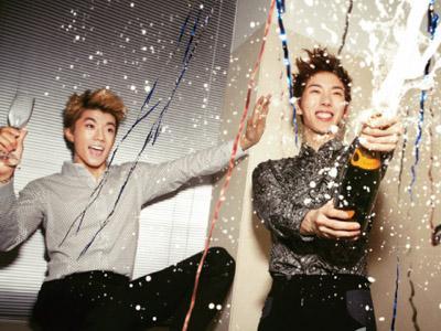 Merasa Album Solonya Sama-sama Gagal, Wooyoung 2PM dan Jokwon 2AM Pesta Bersama!