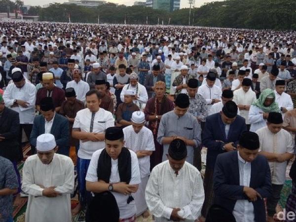 Pengakuan Imam Solat Ied Karebosi yang Jadi Omongan Lakukan Takbir Hanya Satu Kali