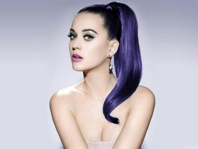 Wah, Katy Perry Rilis Teaser Album Terbarunya di Sebuah Truk Raksasa!