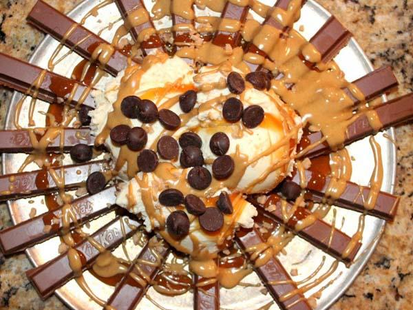 Yummy, Nachos Ini Terbuat Dari Coklat dan Es Krim