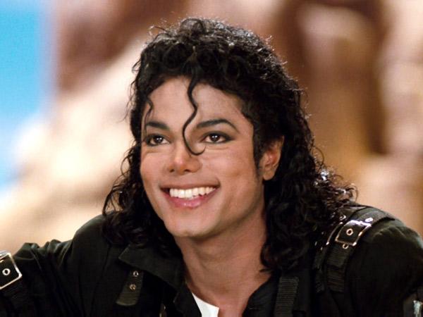 Masuk 'Forbes Dead Celebrity List', Michael Jackson Raih Pendapatan Tertinggi Tahun 2016
