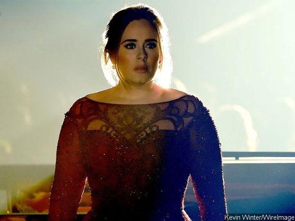 Tampil Di Grammy Awards ke-58, Adele Buat Kecewa Para Penggemarnya!