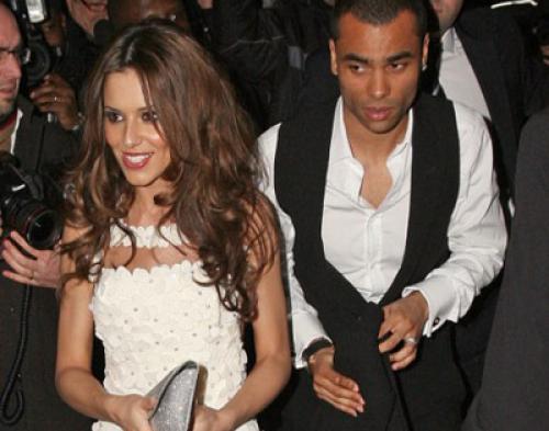 Diselingkuhi, Cheryl Cole Buang Nama Mantan Suami