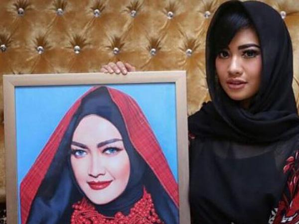 Diduga Terlibat Kasus Prostitusi Online Artis, Adik Julia Perez Dipanggil Polda Jatim