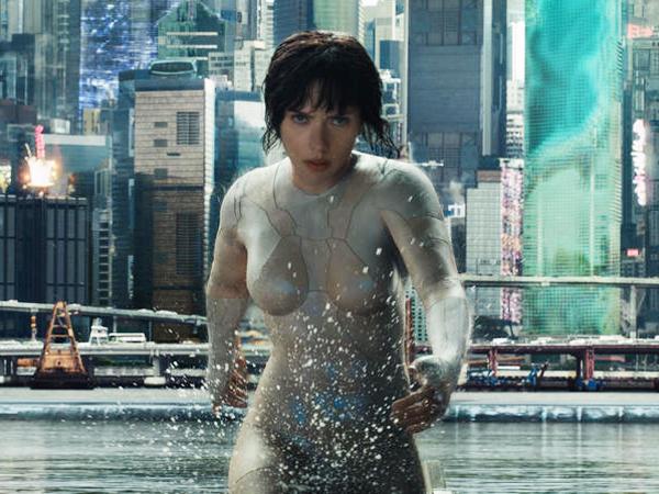 Sempat Tersandung Kontroversi Rasis, Scarlett Johansson Seperti Tak Berbusana di Trailer 'Ghost in The Shell'