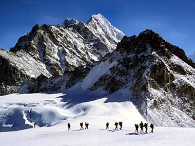 Nepal Ingin Bikin Tangga Hingga Puncak Everest