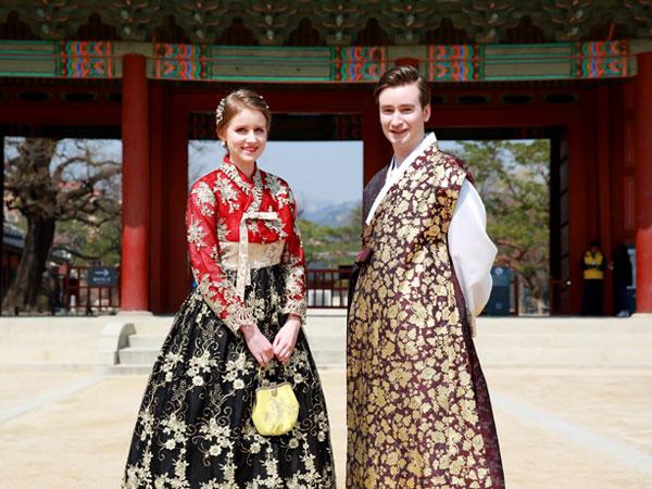 Siapa Bilang 'Outing' di Korsel Tak Bisa Pakai Hanbok? Ini Lokasi Hitsnya