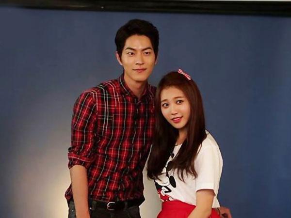 Hong Jong Hyun & Yura Girls' Day Jadi Pasangan Lawas '80 –an!
