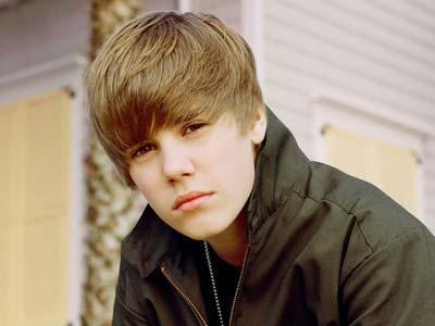 Pacu Mobil, Justin Bieber Diperiksa Polisi