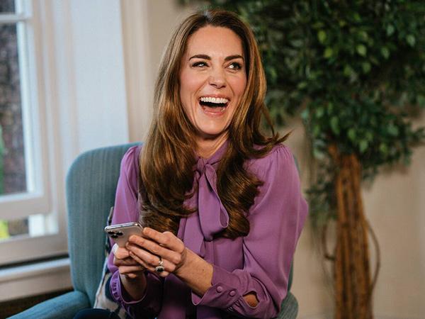 Duh, Kate Middleton Pakai Baju Terbalik
