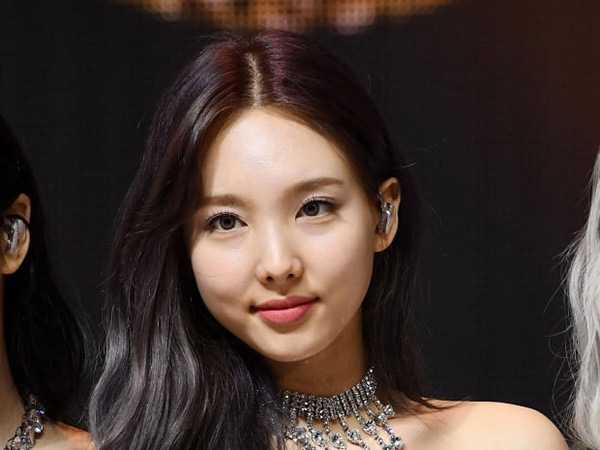JYP Entertainment Resmi Laporkan Sasaeng Fans Nayeon TWICE ke Polisi