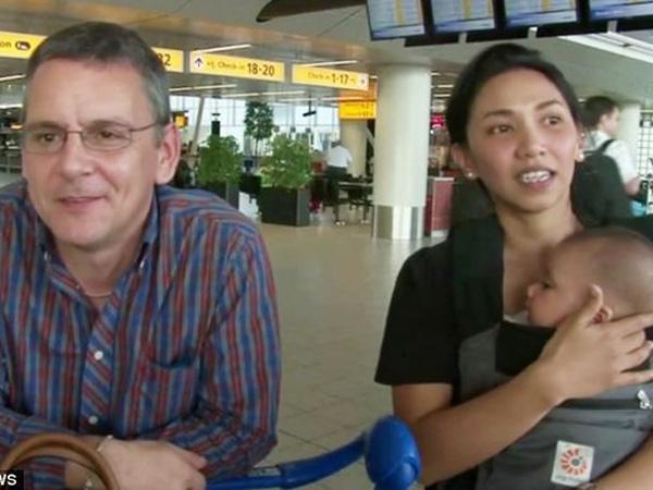 Tak Dapat Kursi di MH17 Buat Suami-Istri dan Anak Balitanya Ini Selamat dari Maut!
