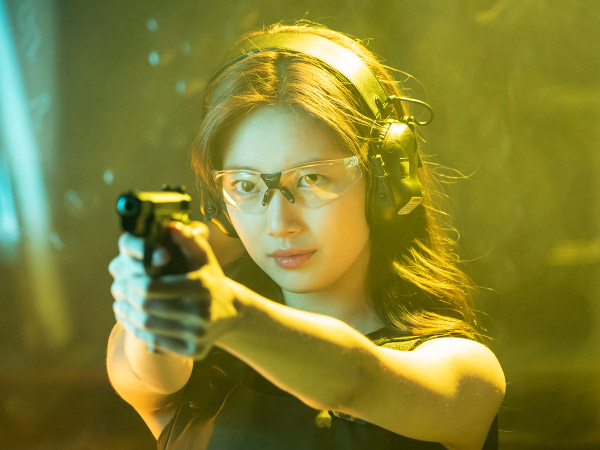 Akting Suzy Dapat Pujian Sutradara Drama 'Vagabond', Disebut Ahli Adegan Aksi