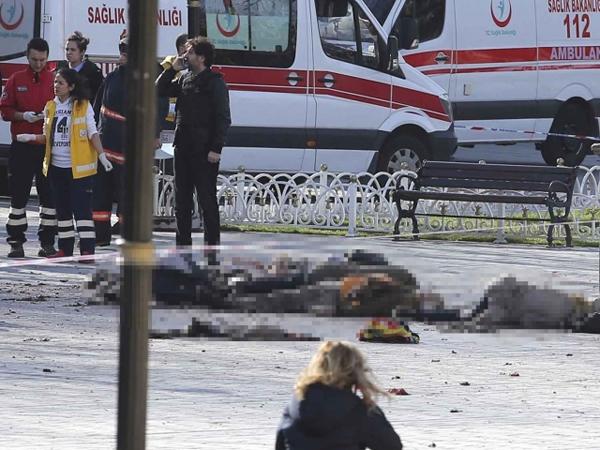 Ledakan Diduga Bom Bunuh Diri Terjadi di Pusat Wisata Istanbul, 10 Orang Tewas
