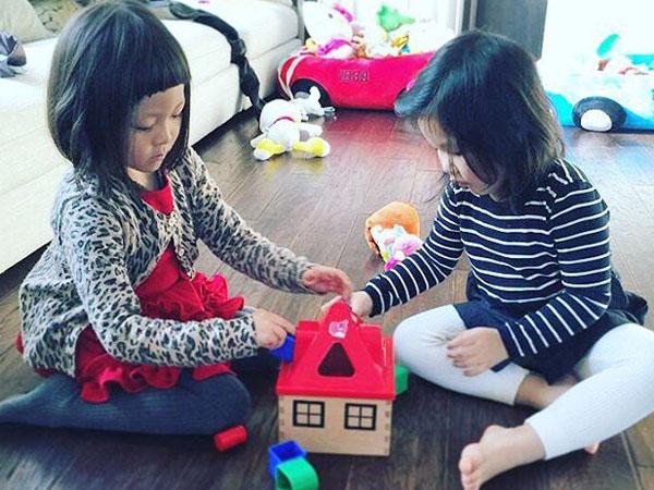 Reunian, Chu Sarang dan Uhm Ji On Nampak Seperti Kakak-Beradik