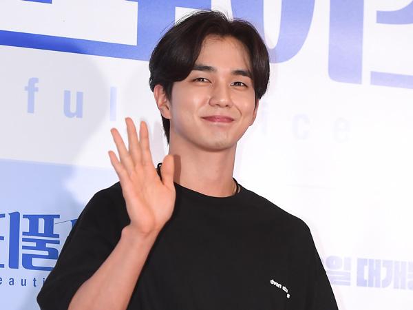 Yoo Seung Ho Tak Mau Nonton TV Saat Wamil, Apa Alasannya?