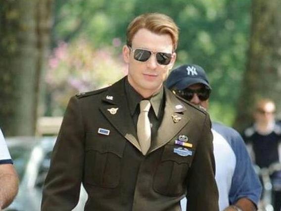 Sudah Sempat Berpamitan, Ternyata Chris Evans Masih Tetap Lanjut Perankan 'Captain America'?