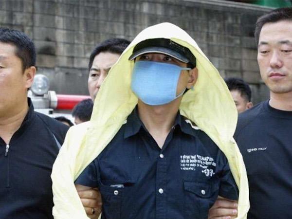 Dokumenter The Raincoat Killer, Menyingkap Kasus Pembunuhan Berantai Paling Kejam di Korea