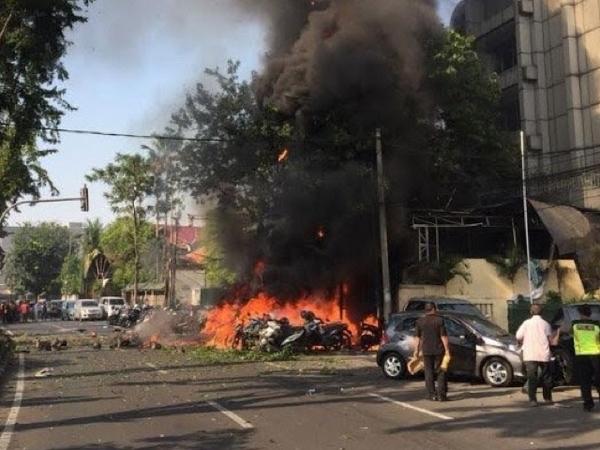 Terjadi di Tiga Gereja, Begini Cerita Mencekam di Serangan Bom Bunuh Diri Surabaya